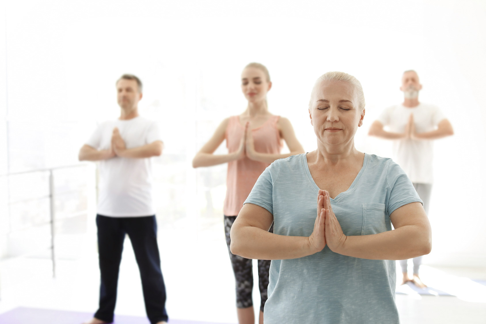 Mixed age yoga class, yoga and diversity, yoga and no age limits, yoga variety