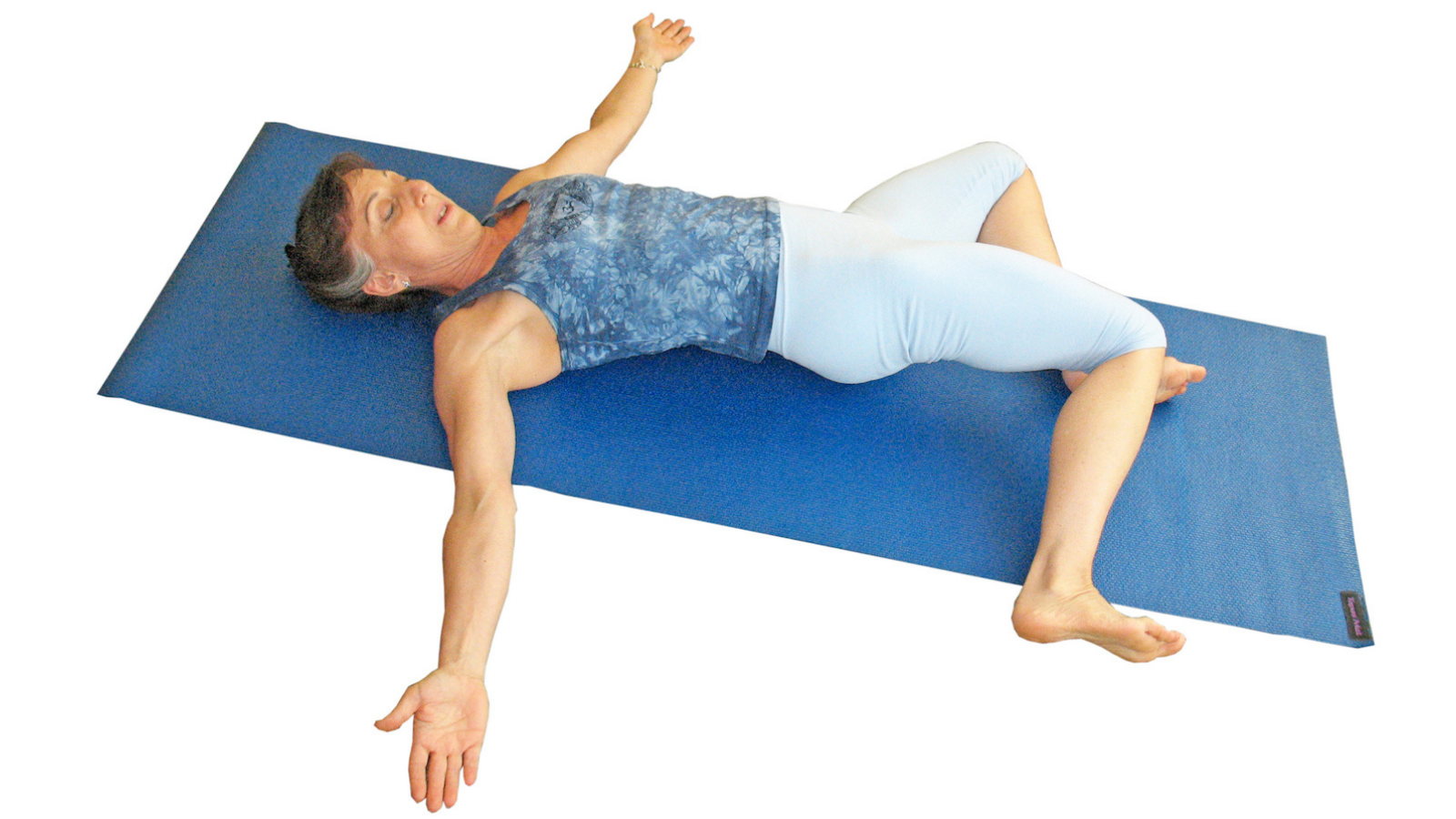 Traction twist in yoga for improved back mobilization