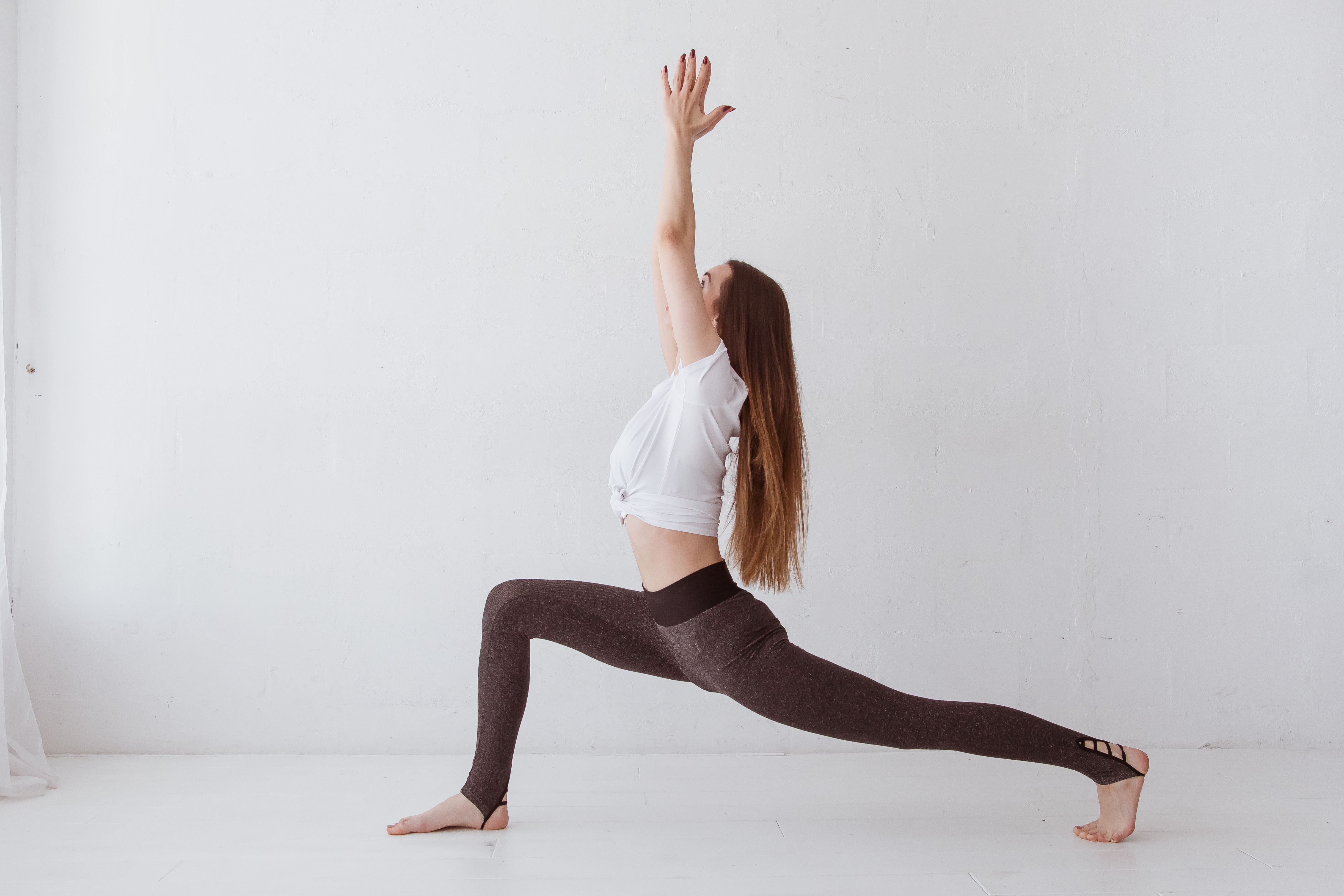 Crescent Lunge, Lunges in Yoga, Standing Poses, Beginner's Yoga