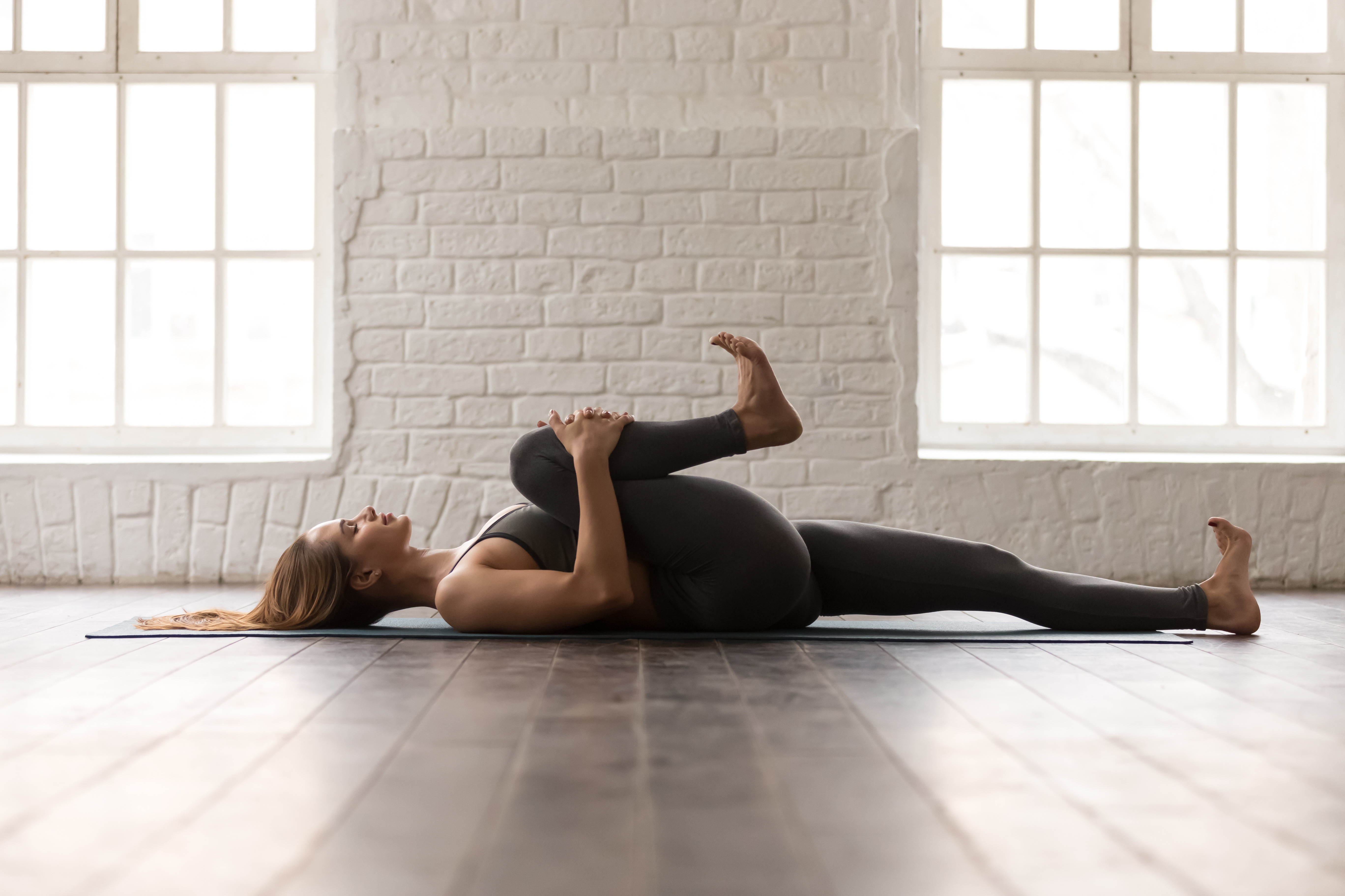 Apanasana, Wind-relieving pose, beginner's yoga, yoga for digestive health