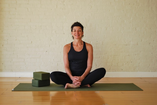 Karen Fabian, Bare Bones Yoga, yoga teacher, anatomy teacher, muscles that work together, synergists