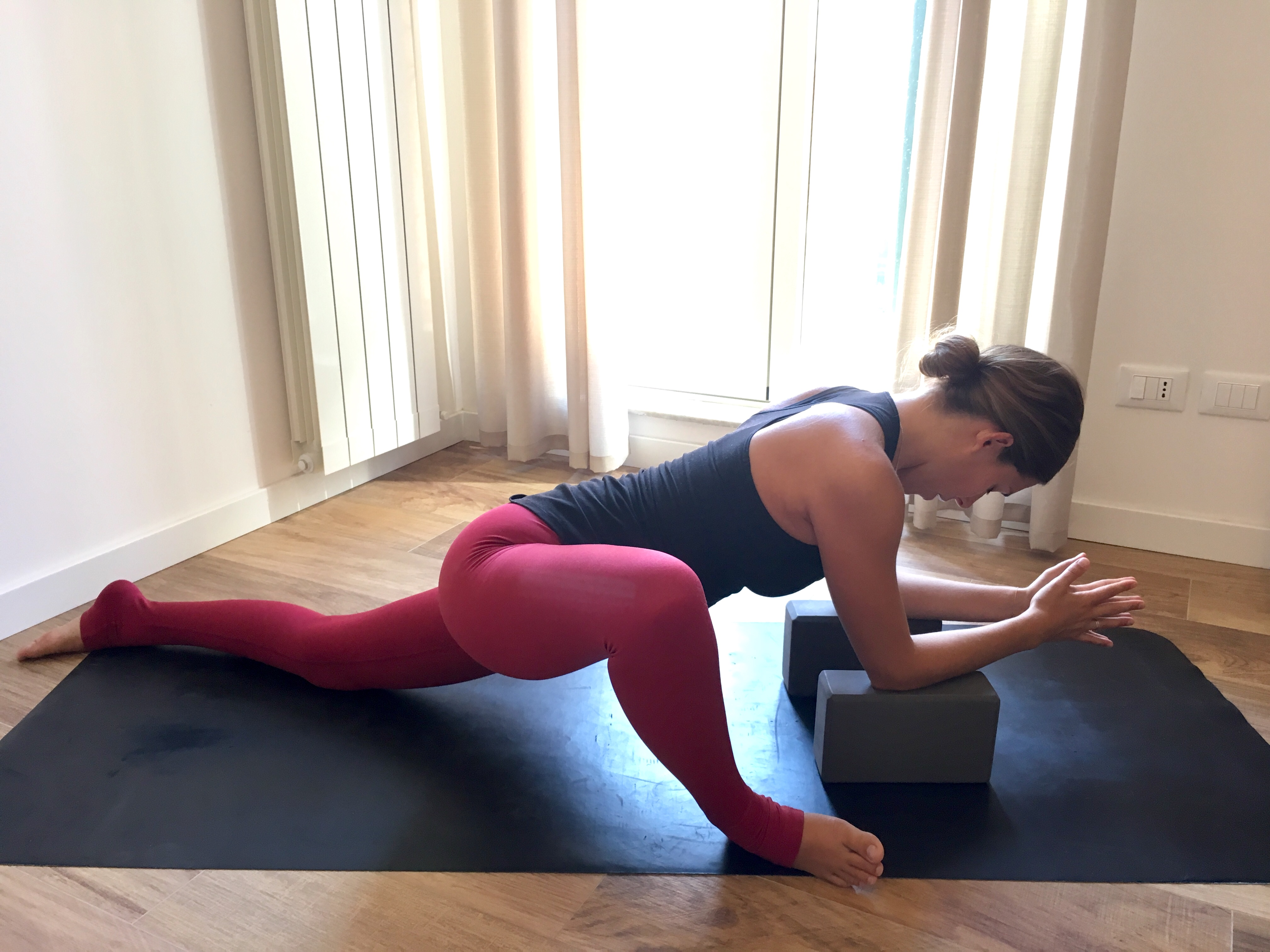 Utthan Pristhasana, gecko pose, beginner's yoga, yoga for piriformis syndrome