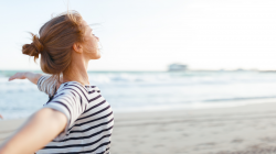 Wellness health tips to live in a coastal community for mental health