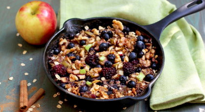Skillet Baked Oatmeal with Apples and Berries, wellness