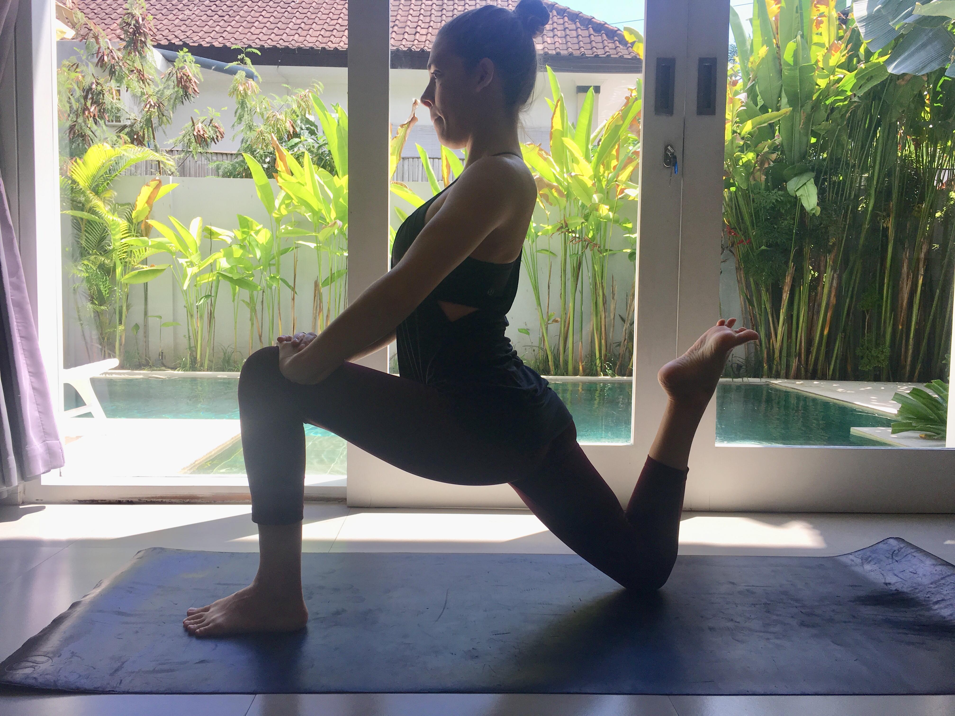 Eka Pada Anjaneyasana, Lunge pose, yoga with blanket support, yoga for hamstring health
